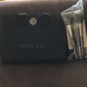 Mary Kay Brush Collection w/ Organizer Bag